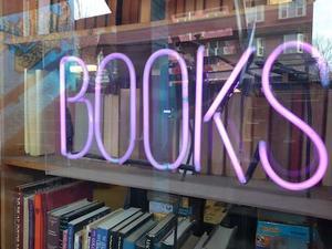 Neon BOOKS sign