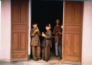 Julie-Booker-Vietnamese-children-photo-2